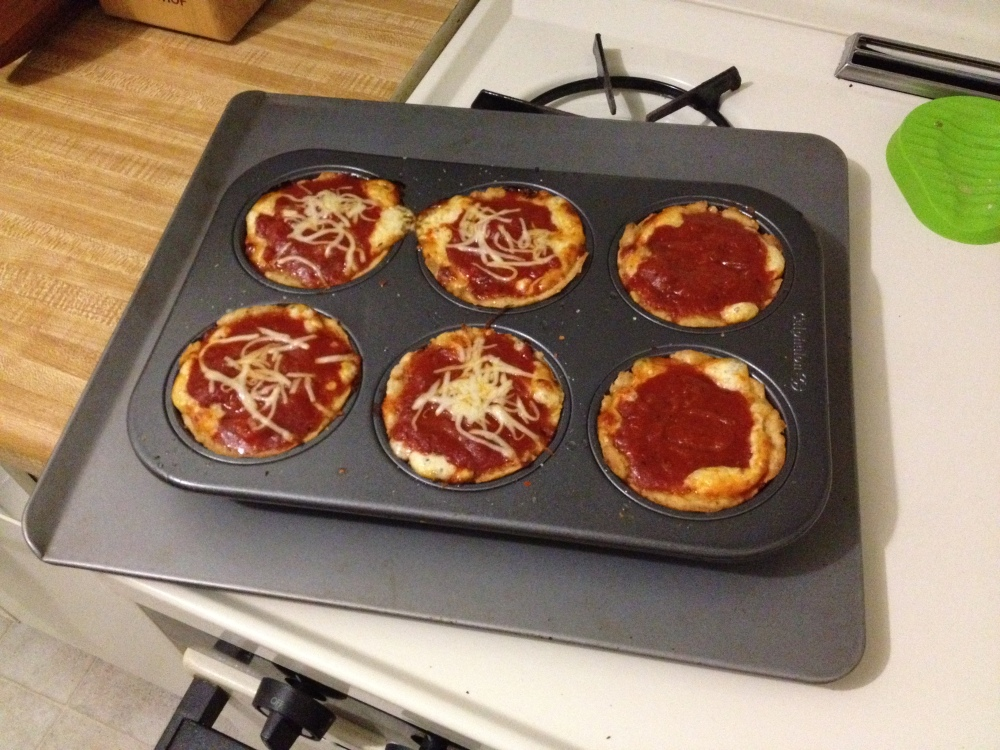 Mini Deep Dish Pizzas (gluten-free) (4/4)